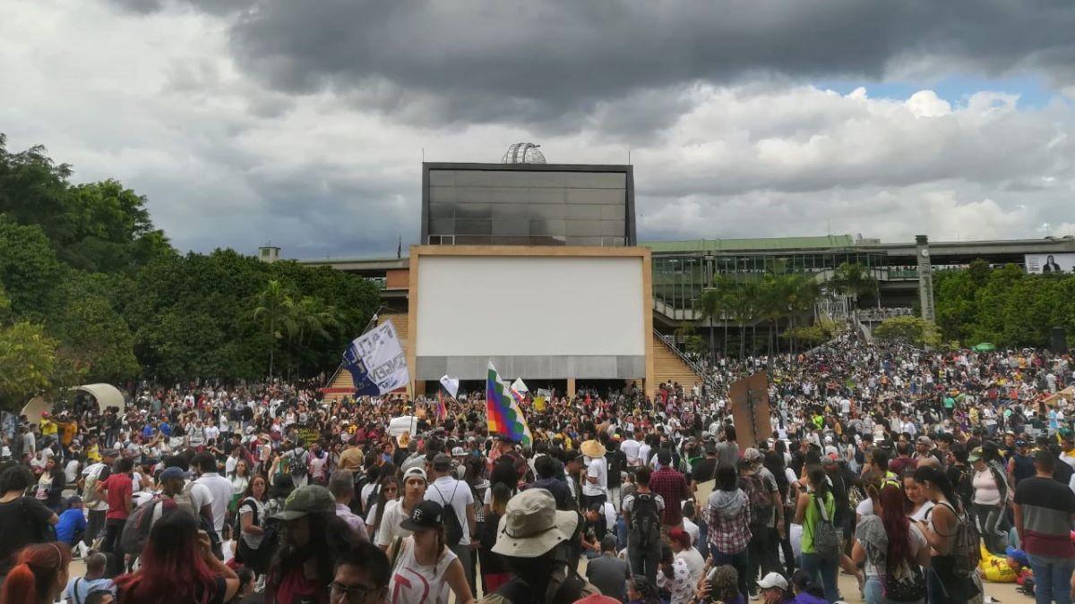 En este diciembre Medellín Resiste Cantando -