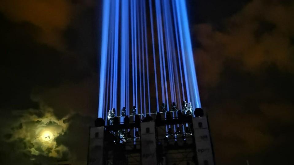 Una luz ilumina a Medellín para darle esperanza -
